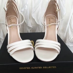 Lulu's Shoes - Lulus white heels size 7